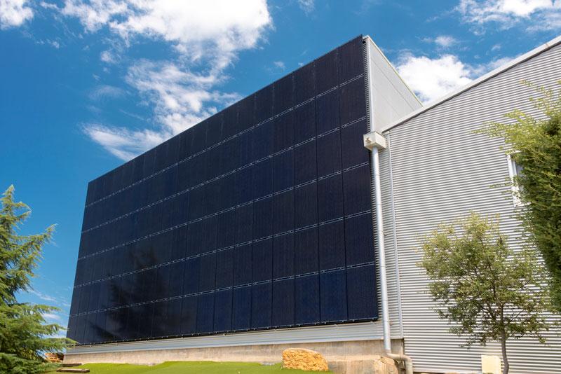 Instal·lació Fotovoltaica integrada a façana