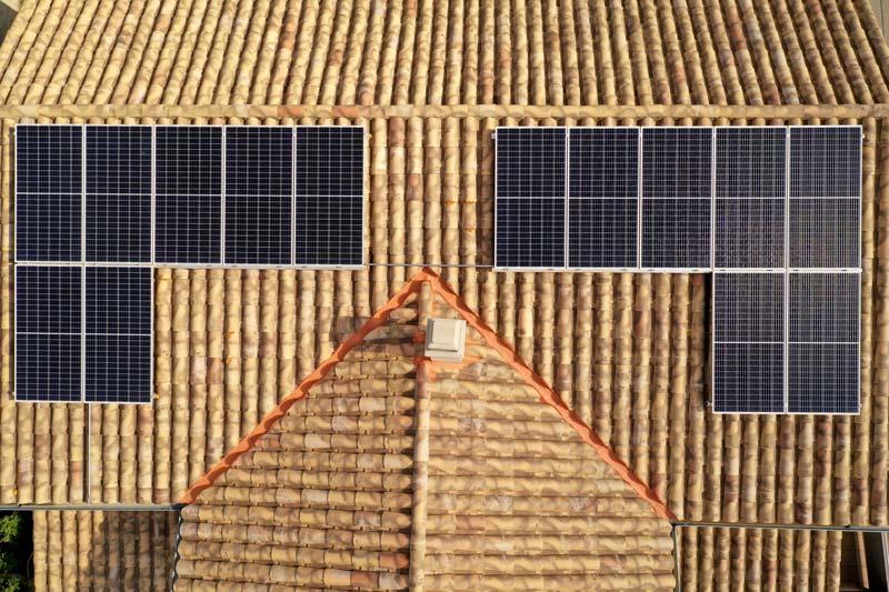 Instal·lació fotovoltaica domèstica de 5'5 kWp a Prats de Lluçanès